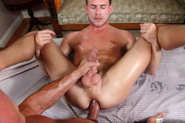 Homens sarados pelados